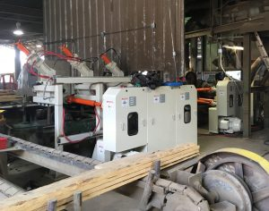 Mise à jour de la raboteuse Yates A20 avec de nouveaux systèmes de motorisation électrique, de positionnement automatique et d'alimentation.